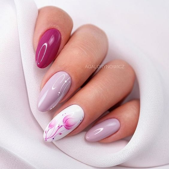 Маникюрс цветами: идеи рисунков на ногтях фото №84