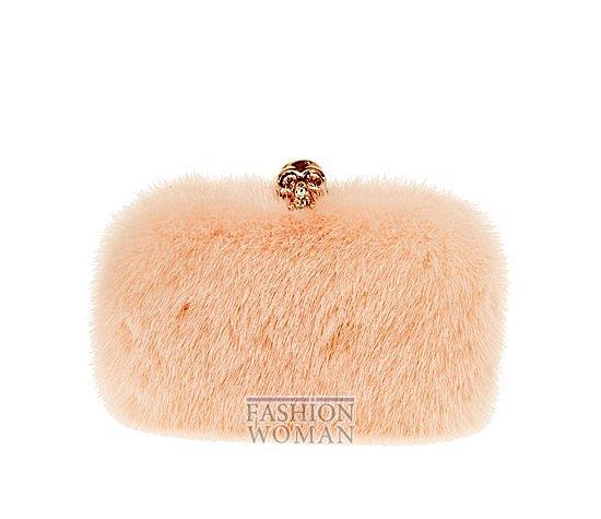 Меховой клатч - модный тренд зимы фото №1
