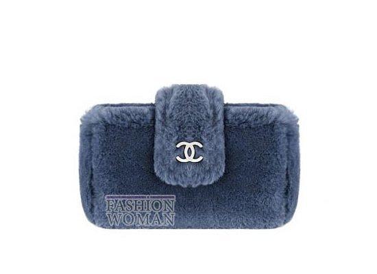 меховой клатч Chanel
