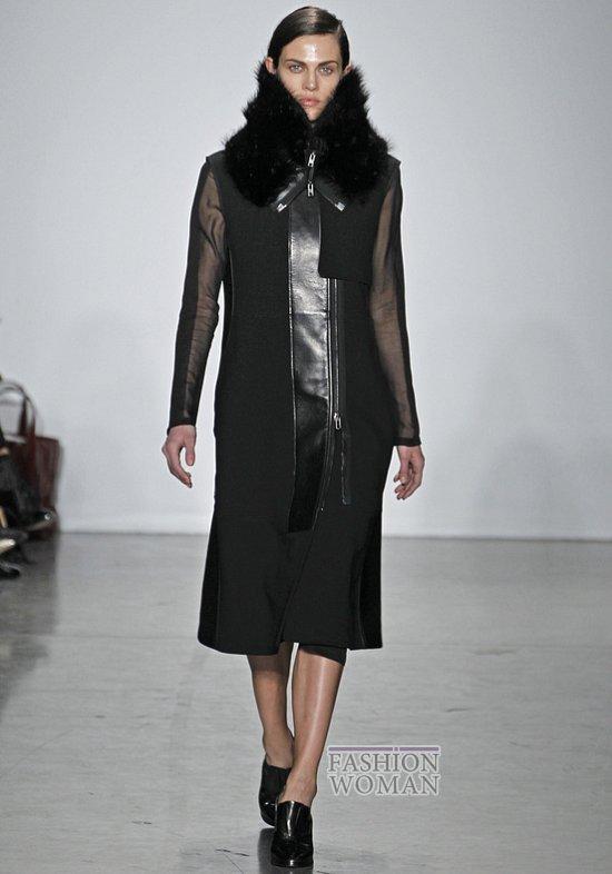 Меховой воротник - модный тренд сезона фото №12