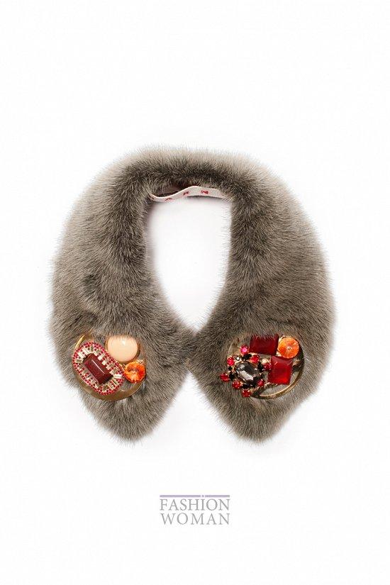 Меховой воротник - модный тренд сезона фото №14