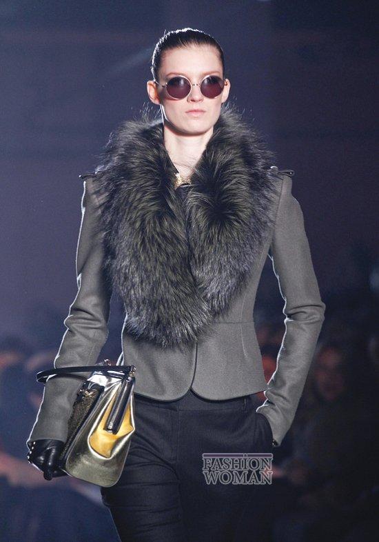 Меховой воротник - модный тренд сезона фото №3