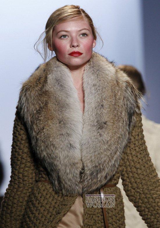 Меховой воротник - модный тренд сезона фото №7