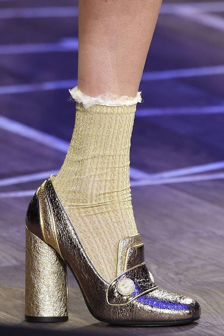 Модная обувь осени: лоферы на толстом каблуке фото №2