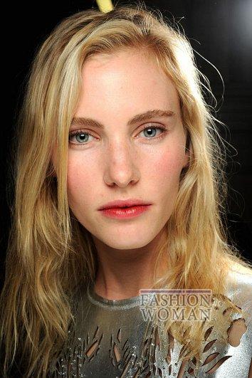 Модный макияж весна-лето 2012 фото №3