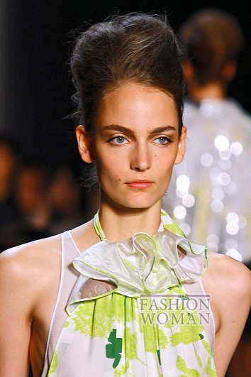 Модный макияж весна-лето 2012 фото №6