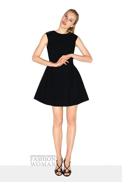 маленькое черное платье |