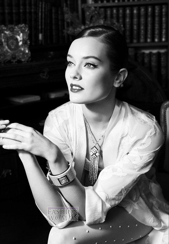 """Моника """"Як"""" Ягачак в рекламе новой коллекции ювелирных украшений Chanel фото №2"""
