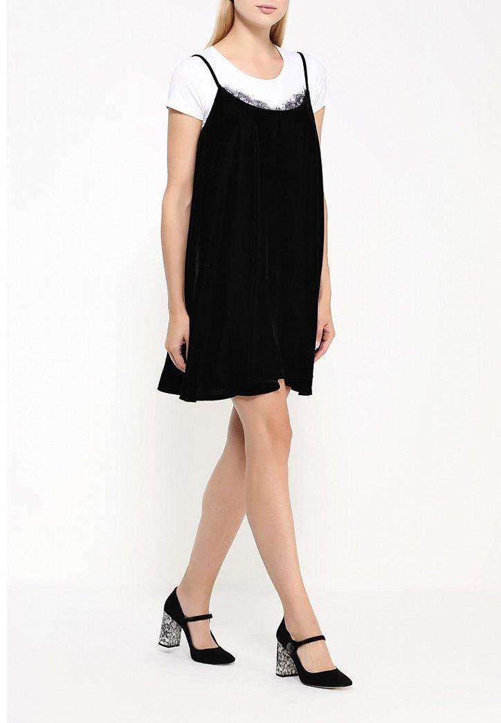 На заметку: 10 бархатных платьев для особого случая фото №4