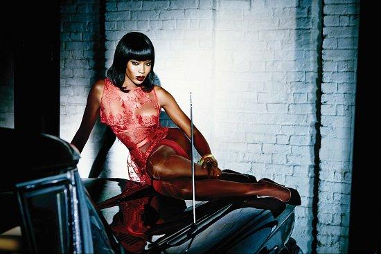 Наоми Кэмпбелл в рекламе нижнего белья Agent Provocateur фото №2