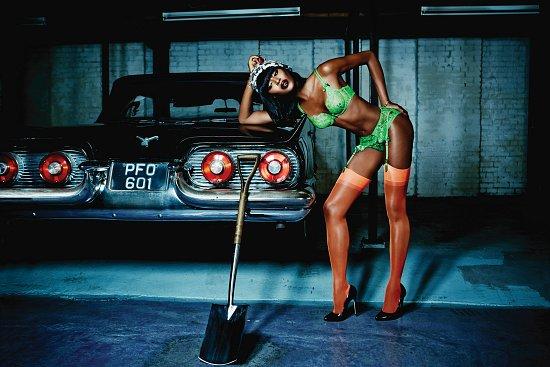 Наоми Кэмпбелл в рекламе нижнего белья Agent Provocateur фото №4