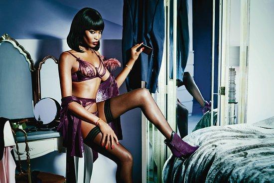 Наоми Кэмпбелл в рекламе нижнего белья фото