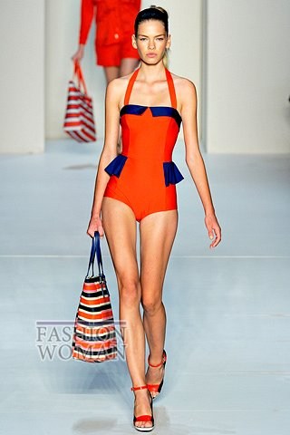 Модный купальник 2012