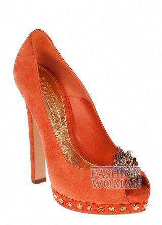 Модные оранжевые туфли