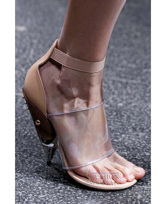 Прозрачные аксессуары - модный тренд лета фото №26