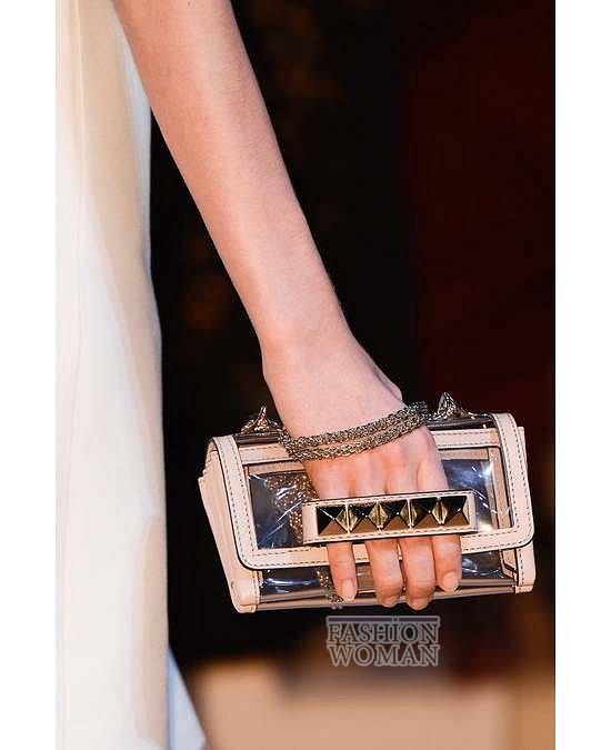 Прозрачные аксессуары - модный тренд лета фото №32