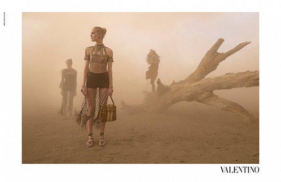 Рекламная кампания Valentino весна-лето 2016 фото №8