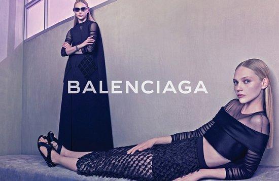 Саша Пивоварова в рекламной кампании Balenciaga весна-лето 2015 фото №3