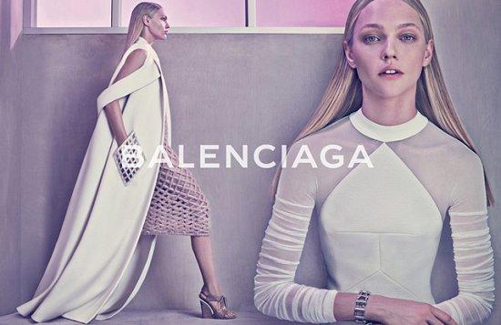 Саша Пивоварова в рекламной кампании Balenciaga весна-лето 2015 фото №4
