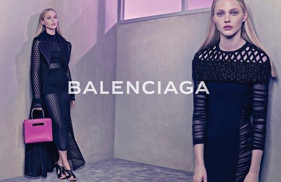 Саша Пивоварова в рекламной кампании Balenciaga весна-лето 2015 фото №6