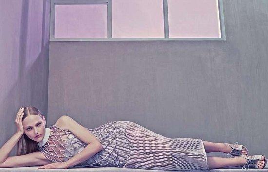 Саша Пивоварова в рекламной кампании Balenciaga весна-лето 2015 фото №8
