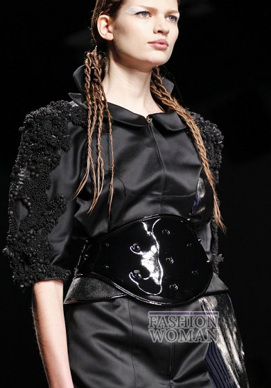Широкий пояс - модный хит осень-зима 2012-2013 фото №20
