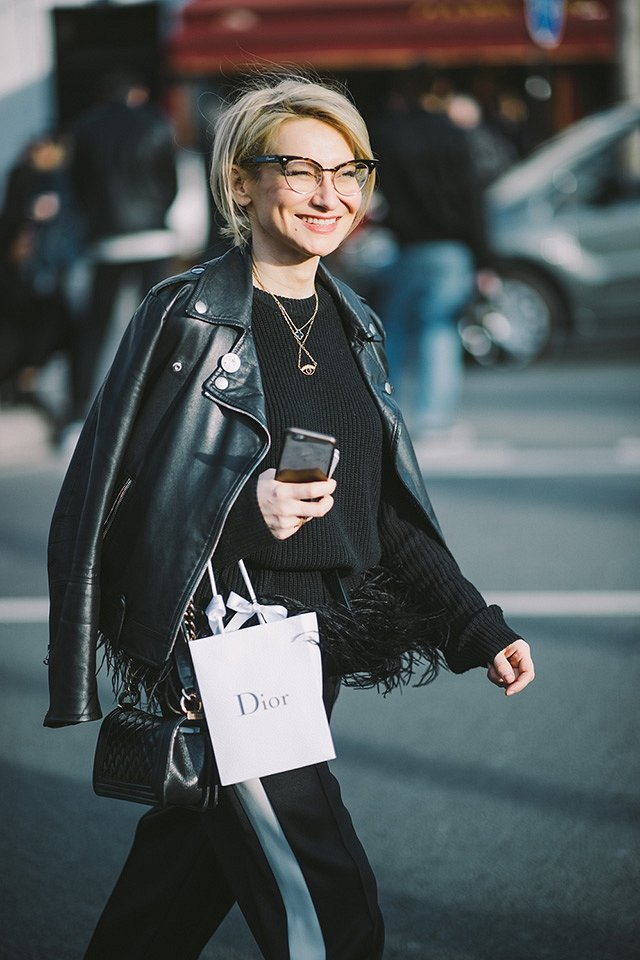 Street style на Неделе высокой моды в Париже весна-лето 2016 фото №17