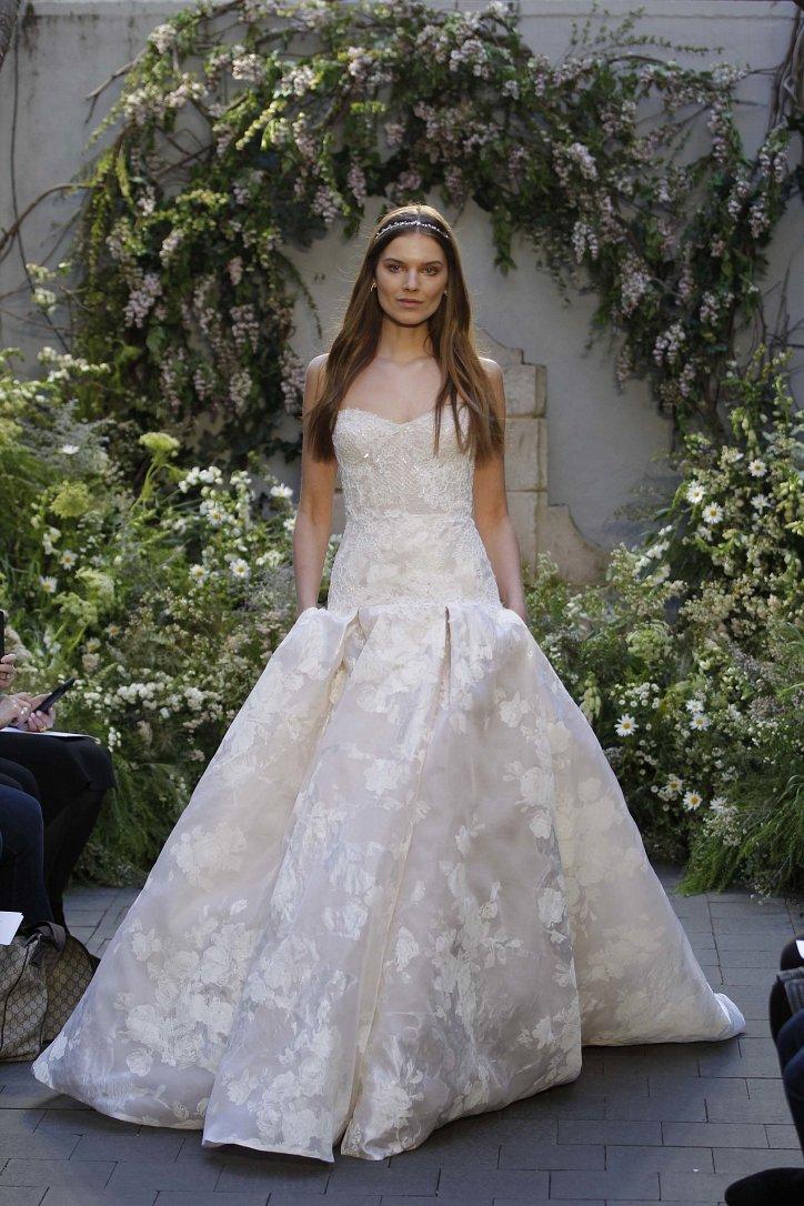 Свадебная коллекция Monique Lhuillier весна 2017 фото №18