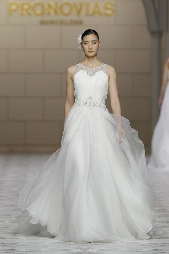 Свадебные платья Pronovias весна-лето 2015 фото №7