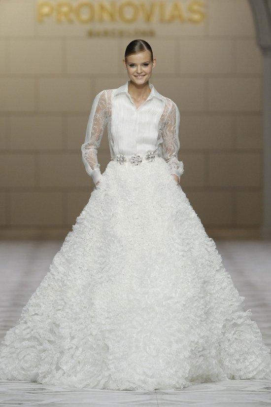 Свадебные платья Pronovias весна-лето 2015 фото №15