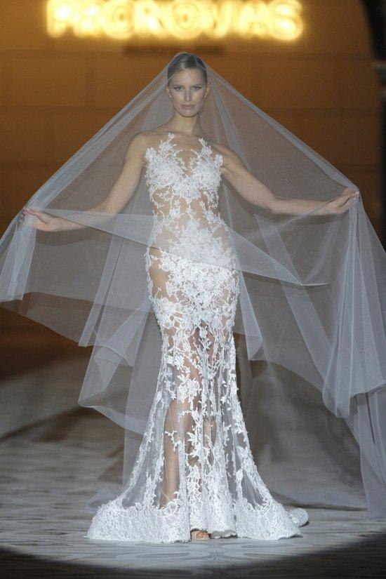 Свадебные платья Pronovias весна-лето 2015 фото №28