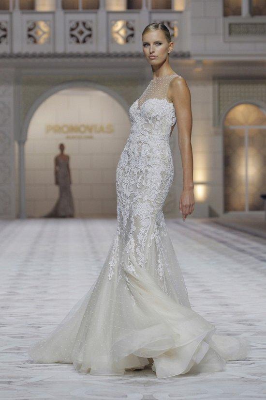 Свадебные платья Pronovias весна-лето 2015 фото №16
