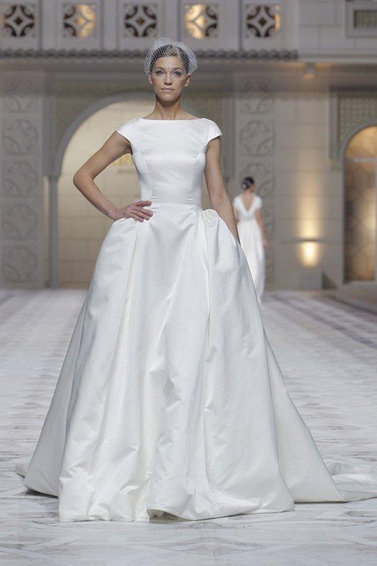 Свадебные платья Pronovias весна-лето 2015 фото №21