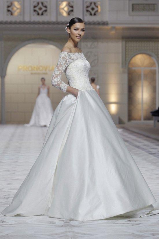 Свадебные платья Pronovias весна-лето 2015 фото №22