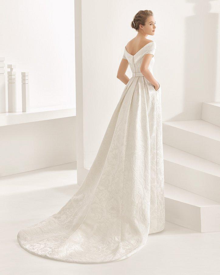 Свадебные платья весна 2017: Rosa Clara фото №30