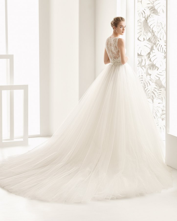 Свадебные платья весна 2017: Rosa Clara фото №42