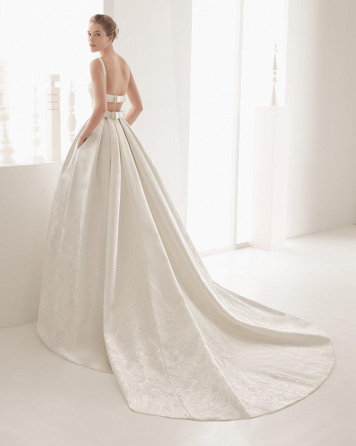 Свадебные платья весна 2017: Rosa Clara фото №56