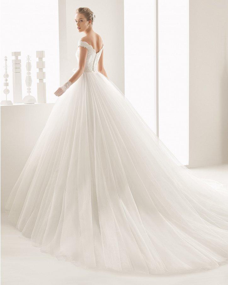 Свадебные платья весна 2017: Rosa Clara фото №67