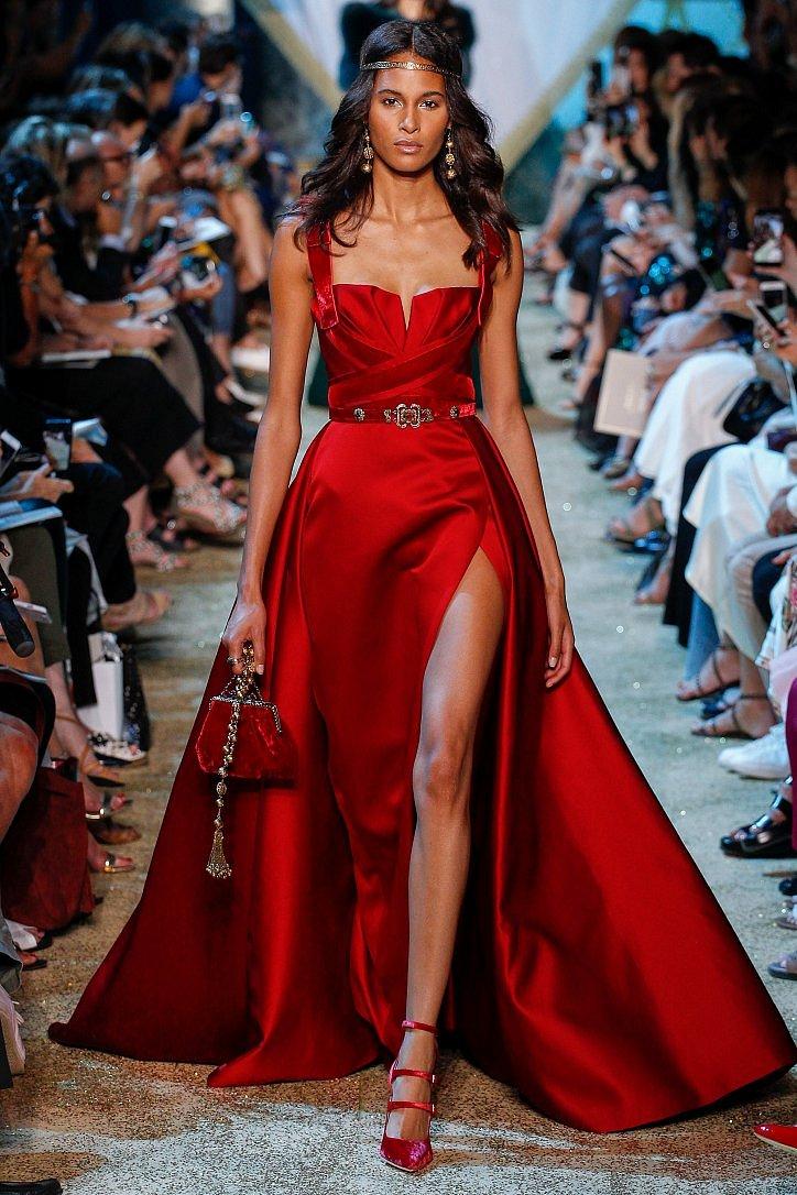 Топ-25 лучших вечерних платьев из коллекций Haute Couture осень 2017 фото №8