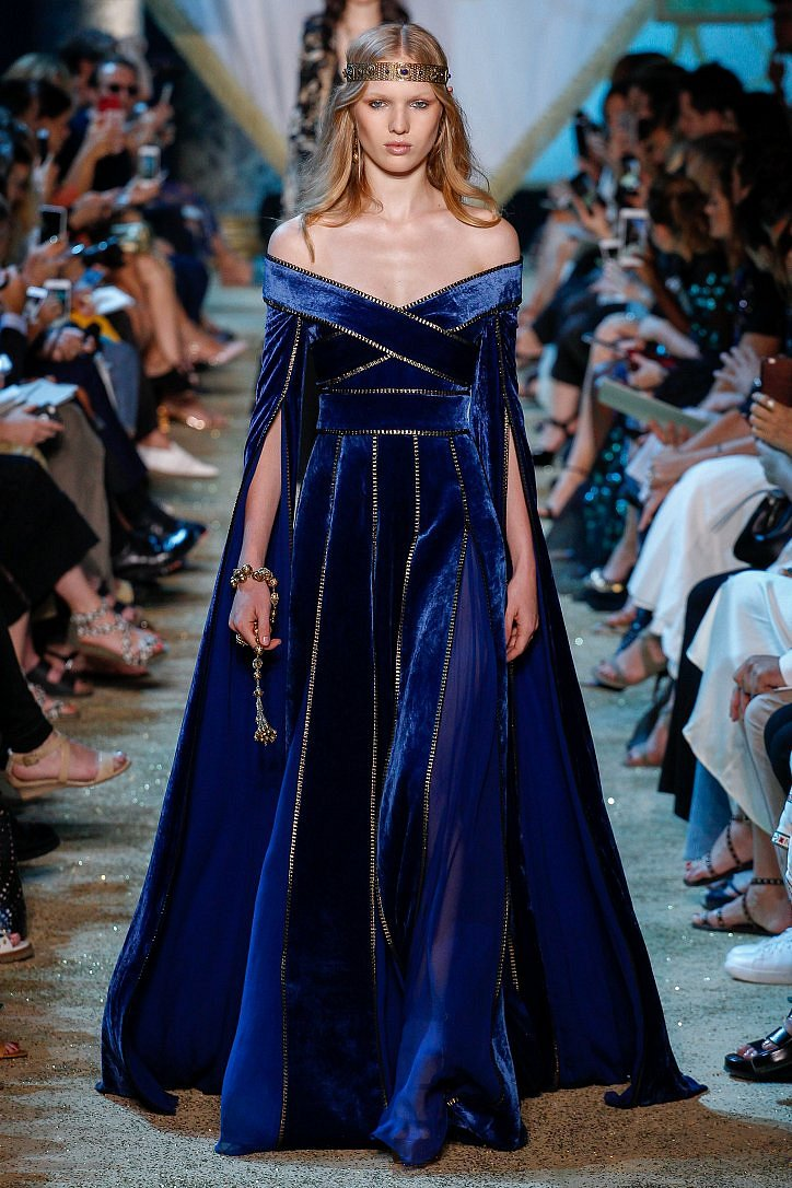 Топ-25 лучших вечерних платьев из коллекций Haute Couture осень 2017 фото №17
