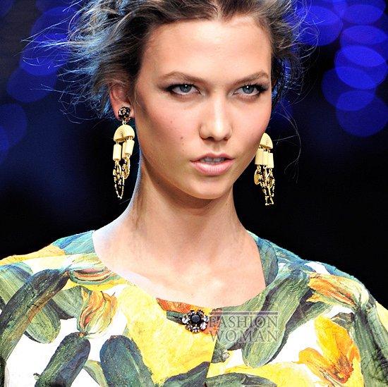 http://www.fashion-woman.com/gallery/ukrasheniya-vesna-leto-2012-ot-dolce-gabbana/ukrasheniya-vesna-leto-2012-ot-dolce-gabbana-12.jpg