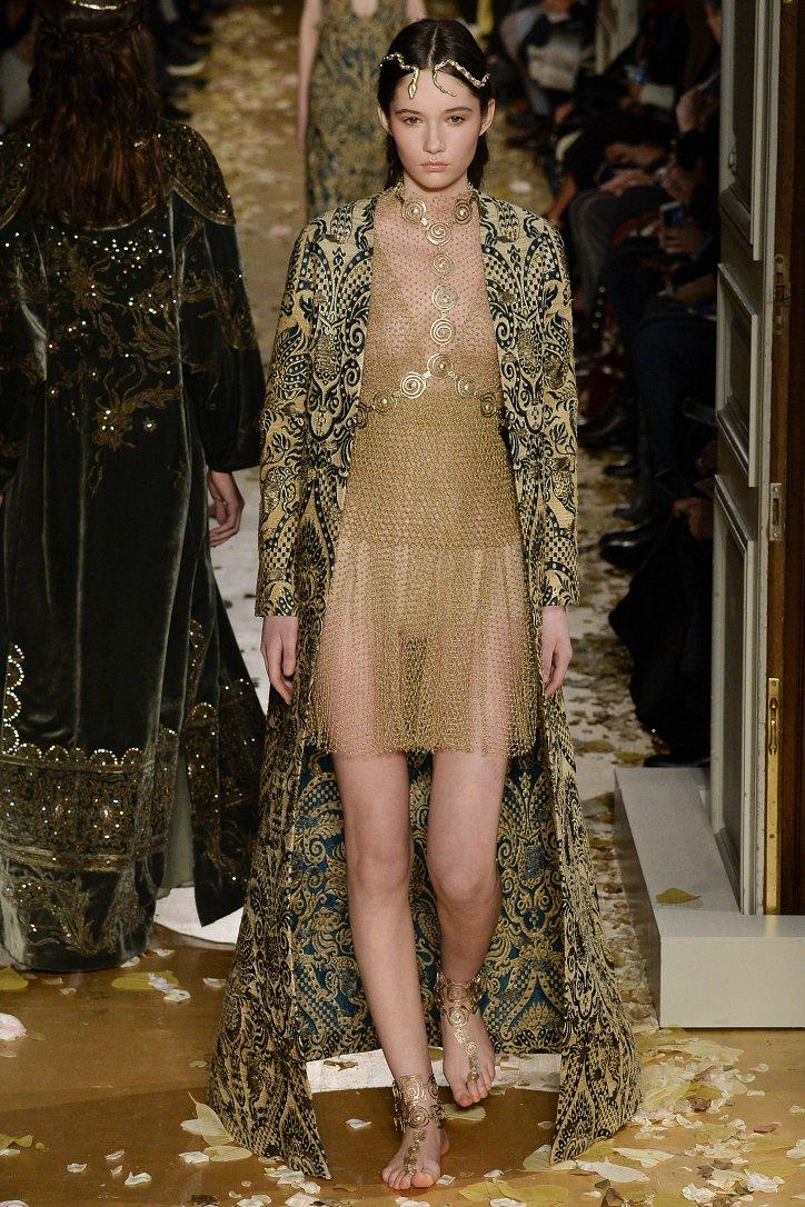 Valentino Haute Couture весна 2016 фото №35