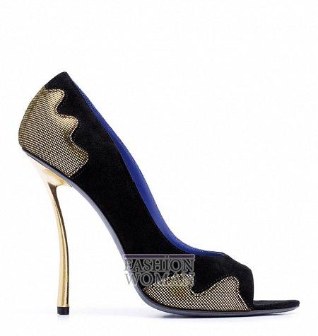 Вечерние туфли на шпильке от Raphael Young