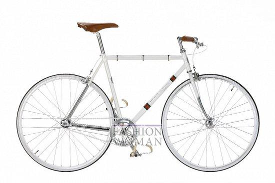 Велосипед с белой рамой Гучи