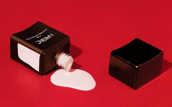 Виктория Бекхэм выпустила дебютную коллекцию лаков для ногтей фото №2