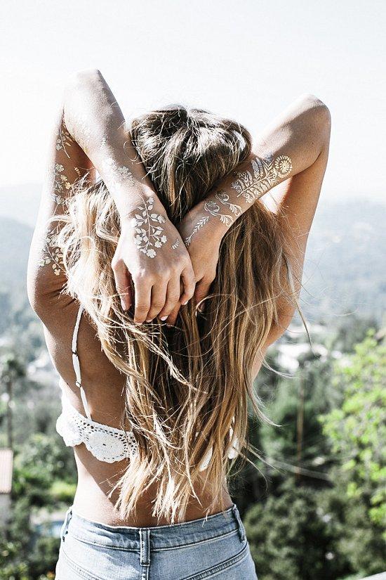 Временные металлические татуировки - модный тренд сезона фото №12