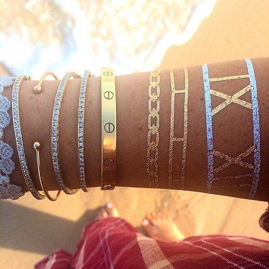 Временные металлические татуировки - модный тренд сезона фото №25