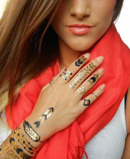 Временные металлические татуировки - модный тренд сезона фото №28