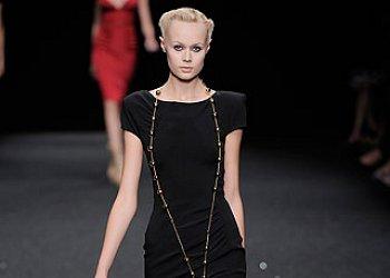 Маленькое черное платье от Elie Saab
