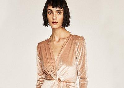 На заметку: 10 бархатных платьев для особого случая